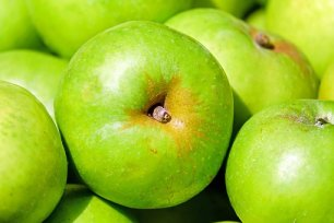 apple-1592588__340